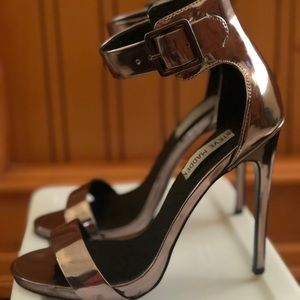 Pewter Steve Madden Heels - High and Fun!